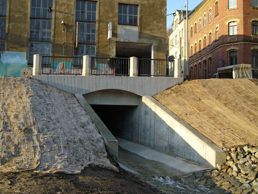 Brücke über den Quirlbach in Greiz