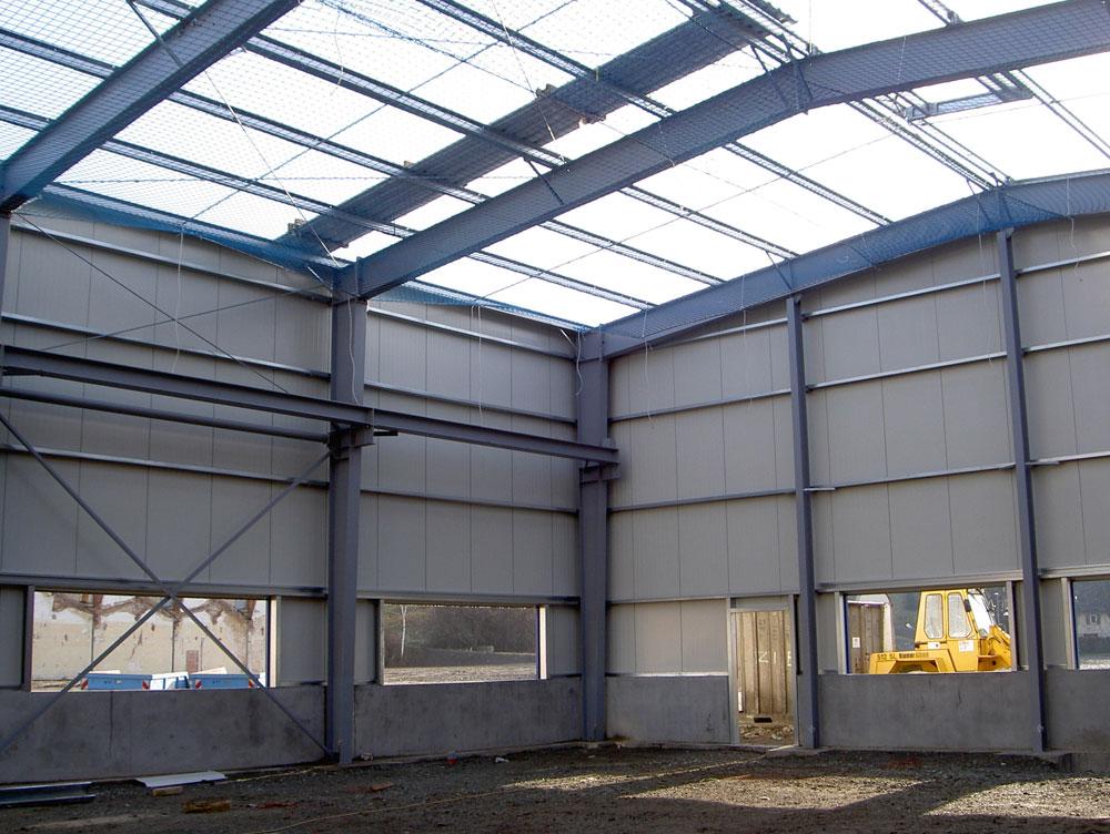 Stahlbau Industriehalle Feutron